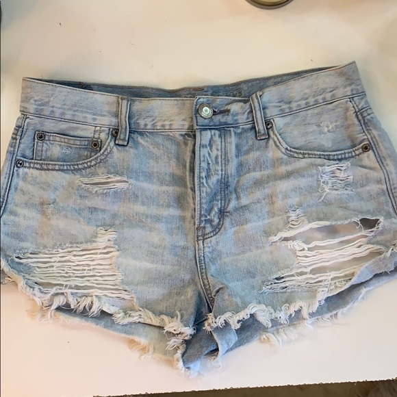American Eagle Outfitters Pants - Super cute American Eagle ripped jean shorts!